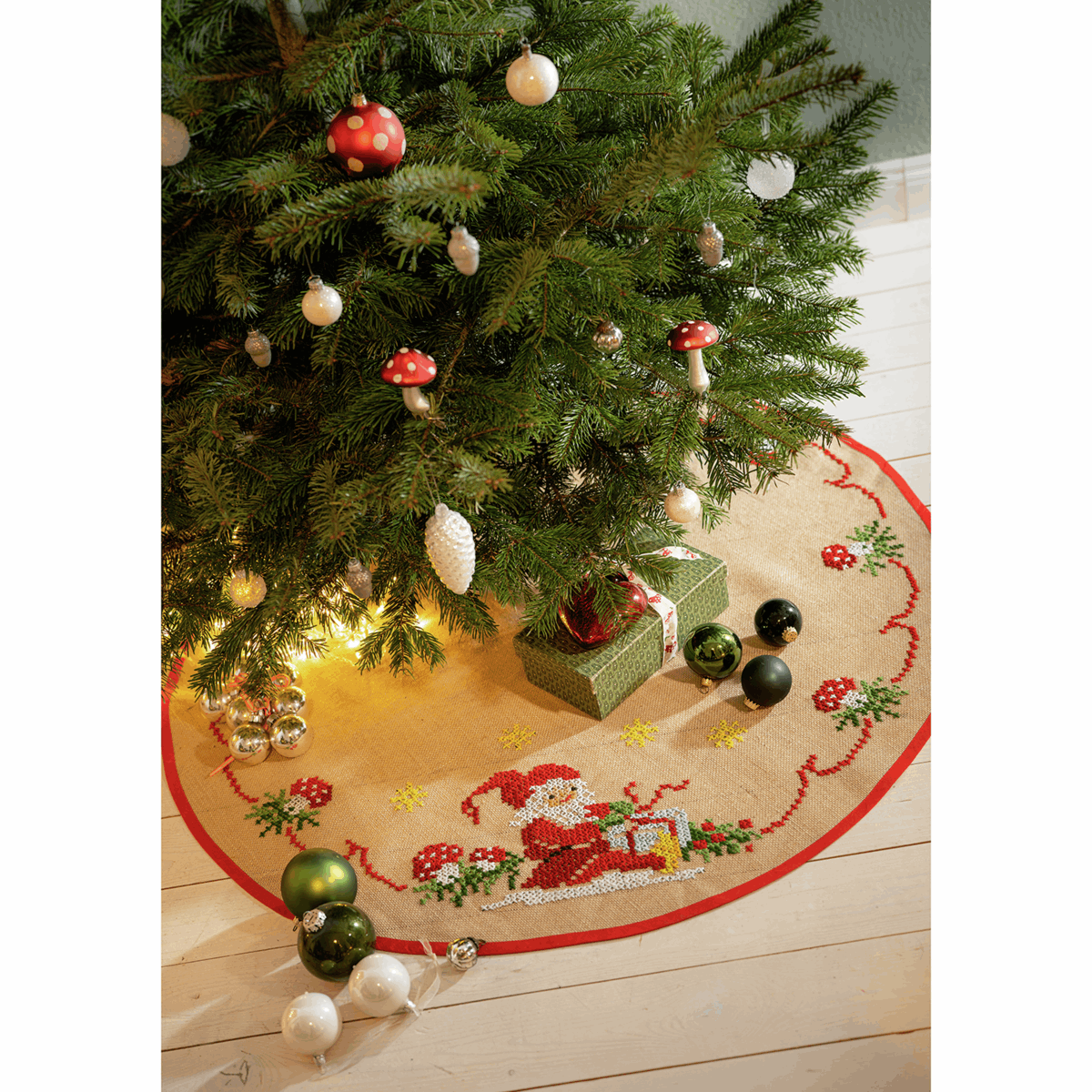 Picture of Embroidery Kit: Christmas Tree Mat