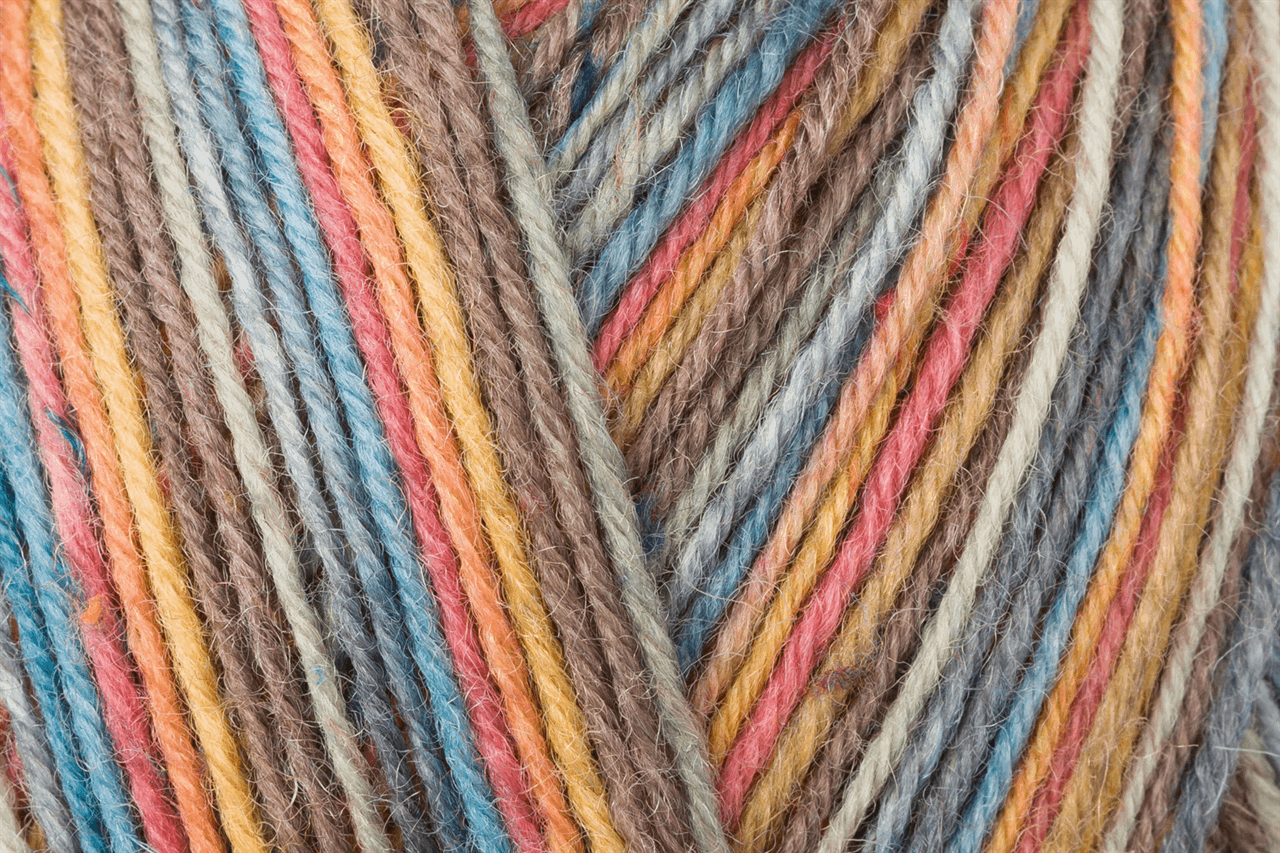 Picture of Tweed Color: 4 Ply: 5 x 100g: Zauberwald