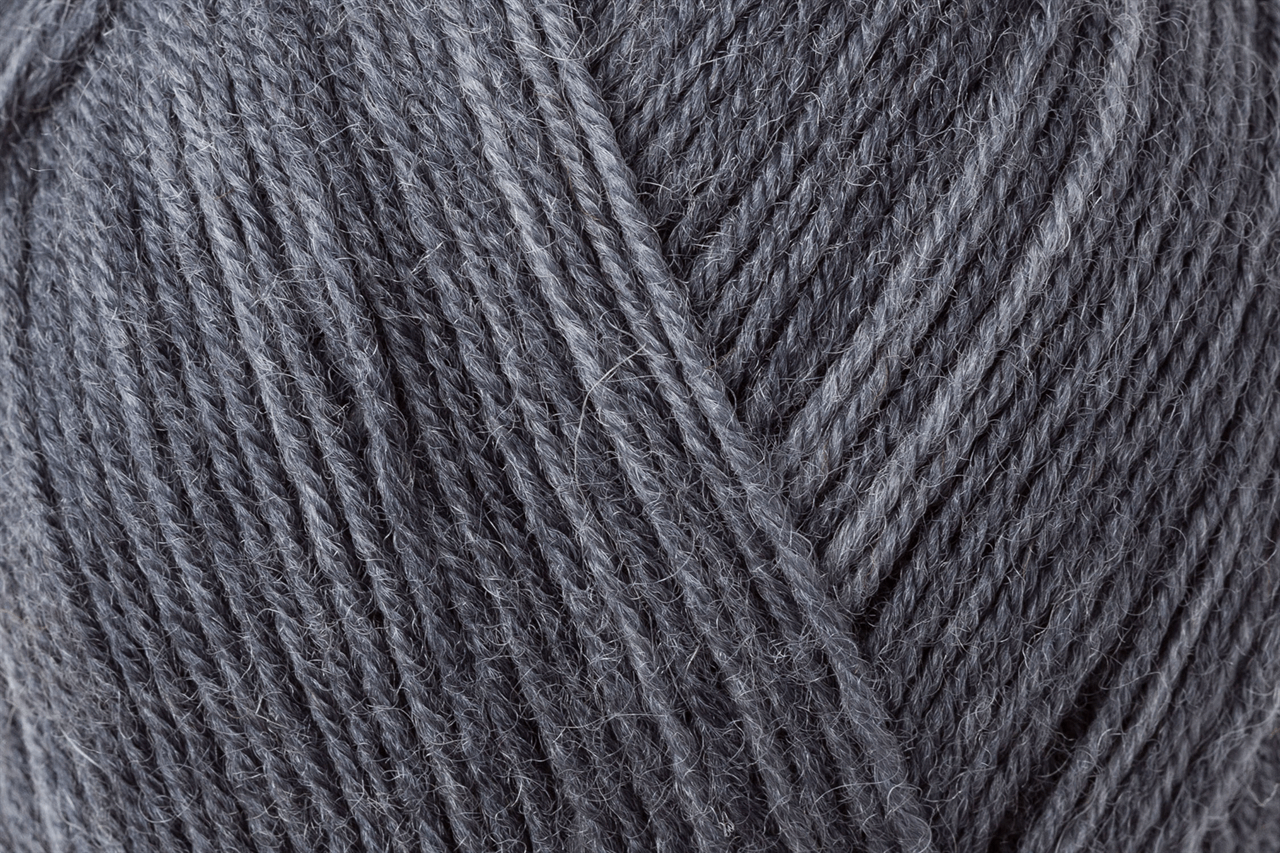 Picture of Color: 4 Ply: 10 x 100g: Schwarz