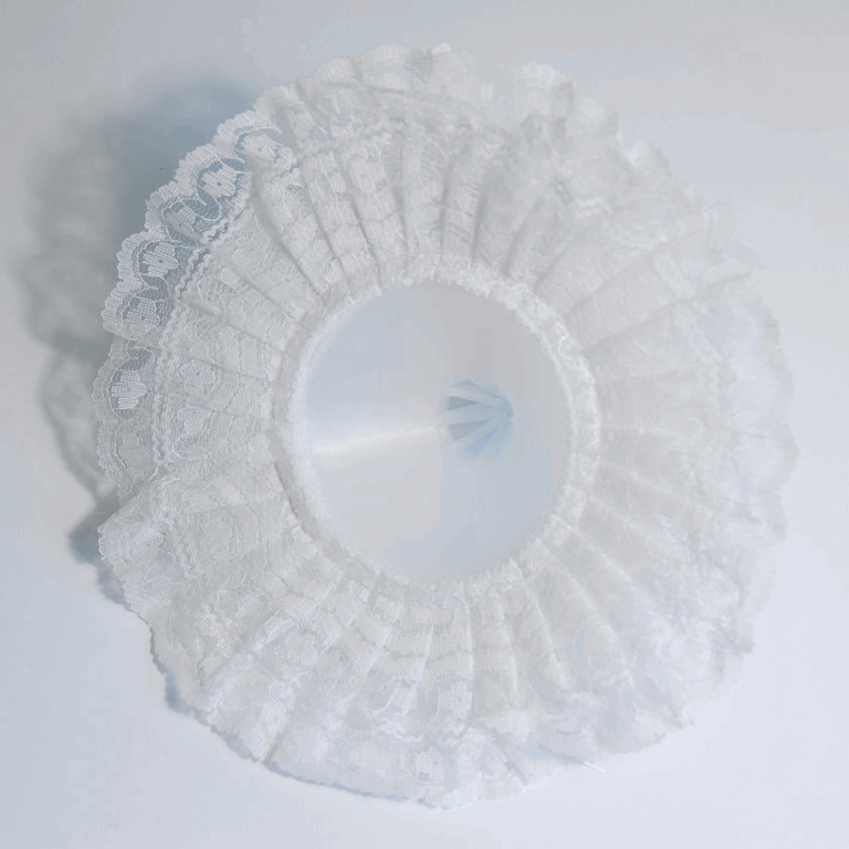 Picture of Bouquet Holder: Lace: 17.5cm: Pack of 12: White