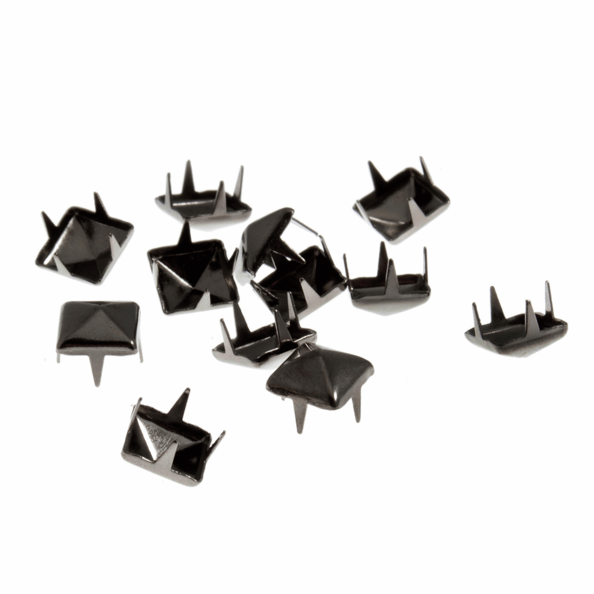 Picture of Studs: Claw: Pyramid: Gunmetal: 7 x 7mm: 50 Pack