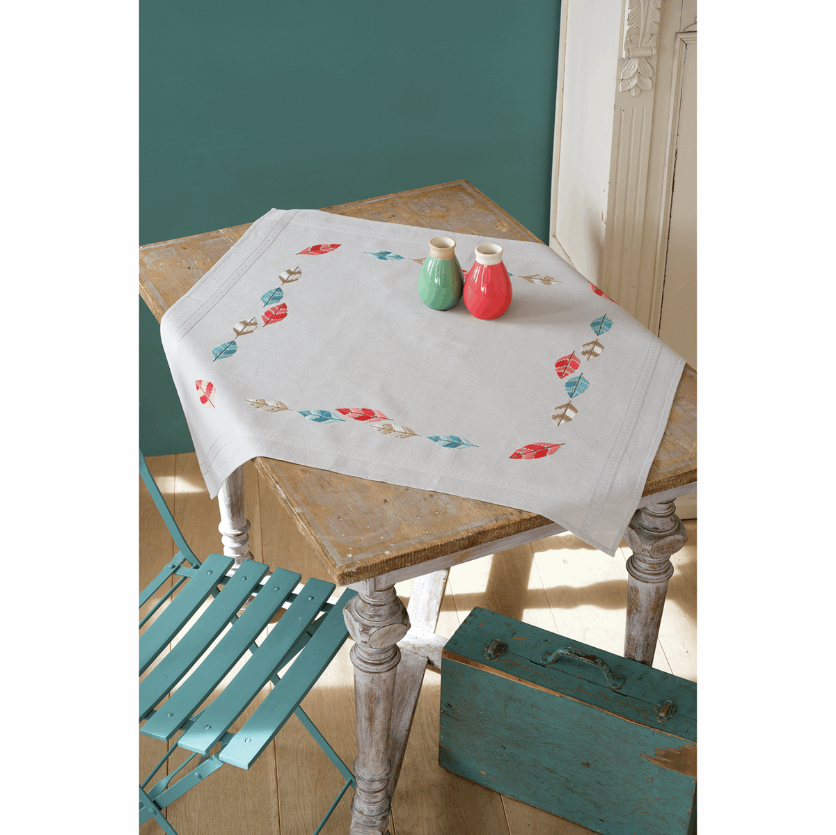 Picture of Cross Stitch Kit: Tablecloth: Feathers