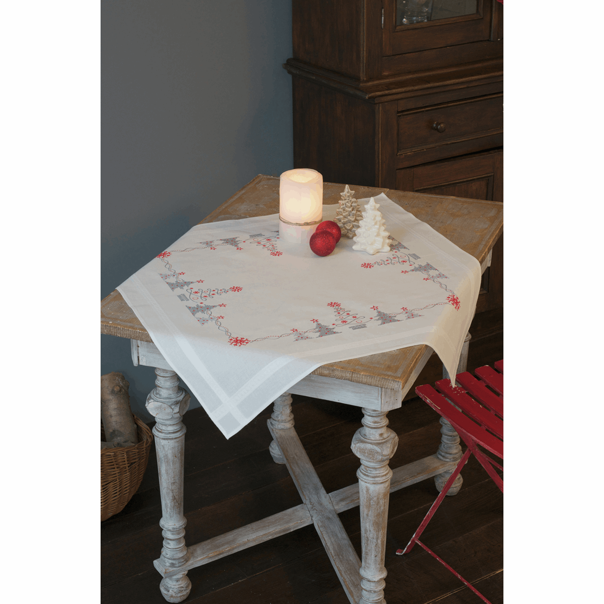 Picture of Cross Stitch Kit: Tablecloth: Christmas Trees